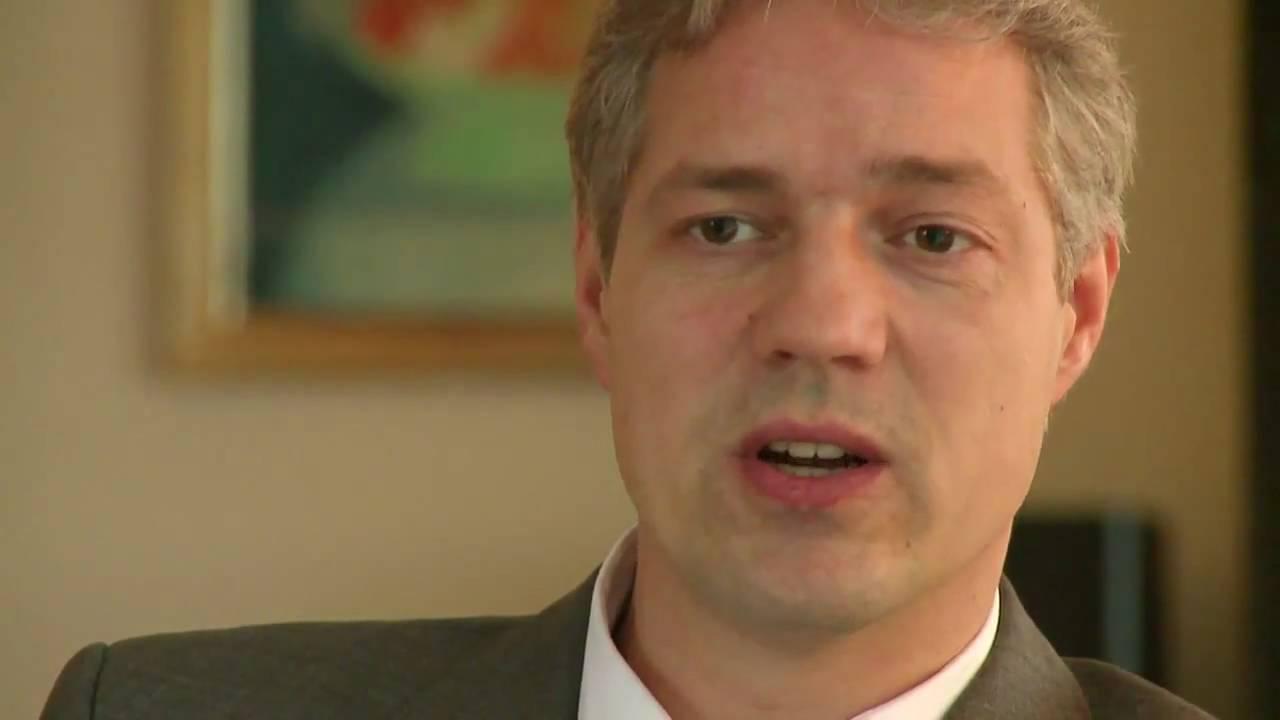 Interview von <b>Jörg Altekruse</b> (YouTube Video 5.22 Min.) - ralf-becker-ber-nachhaltiges-geld